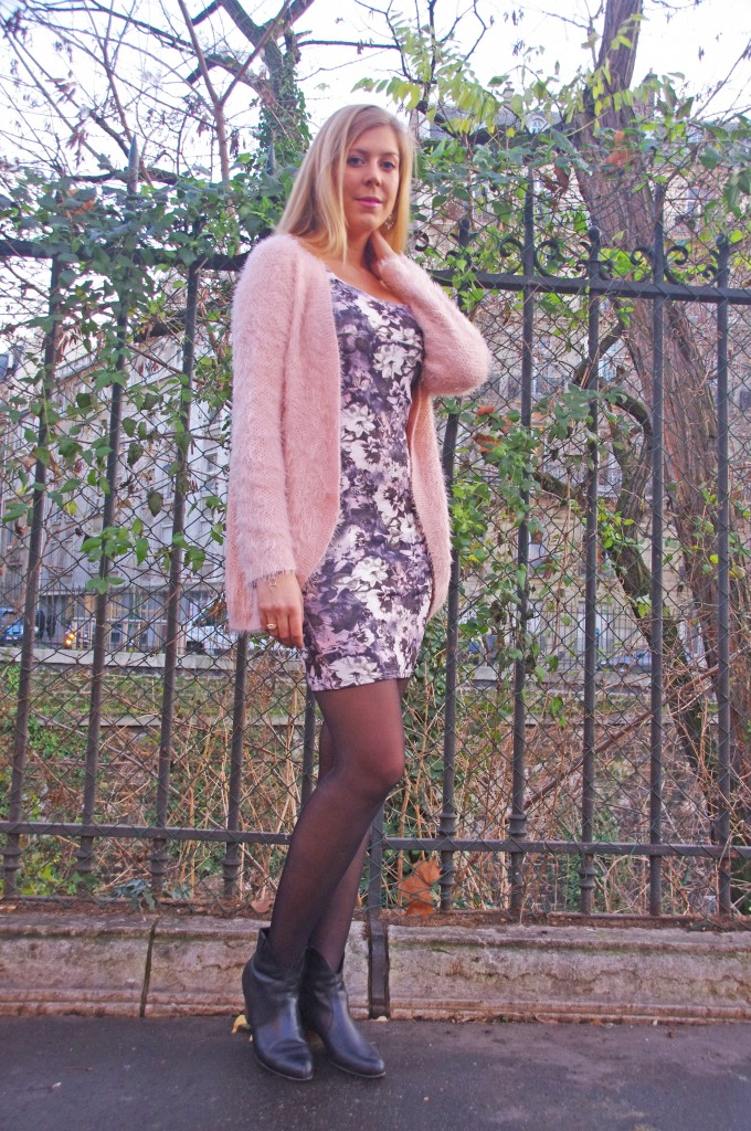 fluffy, barbapapa, gilet rose, new look, robe bodycon, robe fleurie, robe new look, botiines cuir, bottines western, gémo, boucles d'oreilles diamant, statement earrings, zara, bijoux, look saint valentin, maquillage rose, pink make up