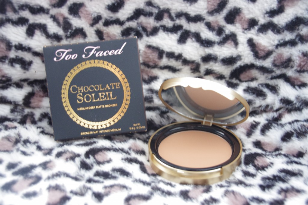 Bronzers, Toofaced, too faced, terre de soleil, poudre de soleil, terracotta, terra cotta, avis, test, revue, review, unboxing, déballage, coffret beauté, Chocolate Soleil, Snow Bunny, Dark Chocolate Soleil, Pink Leopard, Beach Bunny, Milk Chocolate Soleil, Endless Summer, Sun Bunny, kit contouring, contouring kim kardashian, blog beauté, blogueuse beauté, youtubeuse