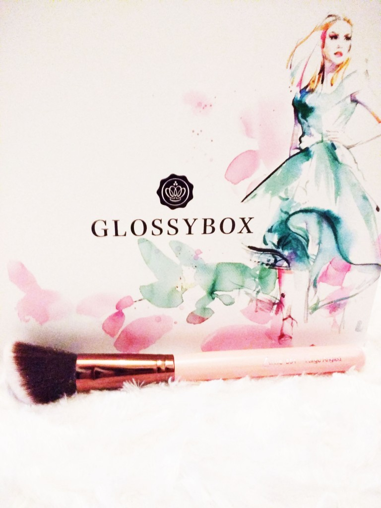 glossybox style édition, glossybox avril 2016, crème hydra-protective, Académie scientifique de beauté, Eye Liner, Icona Milano, Mascara Velvet Noir Major Volume de Marc Jacobs, Dew the Hoola Benefit, Pinceau rose gold  Luxie, Rachel Zoé, haul revue, review, avis, test, tutoriel, make up, blog beauté, blogueuse beauté, youtubeuse