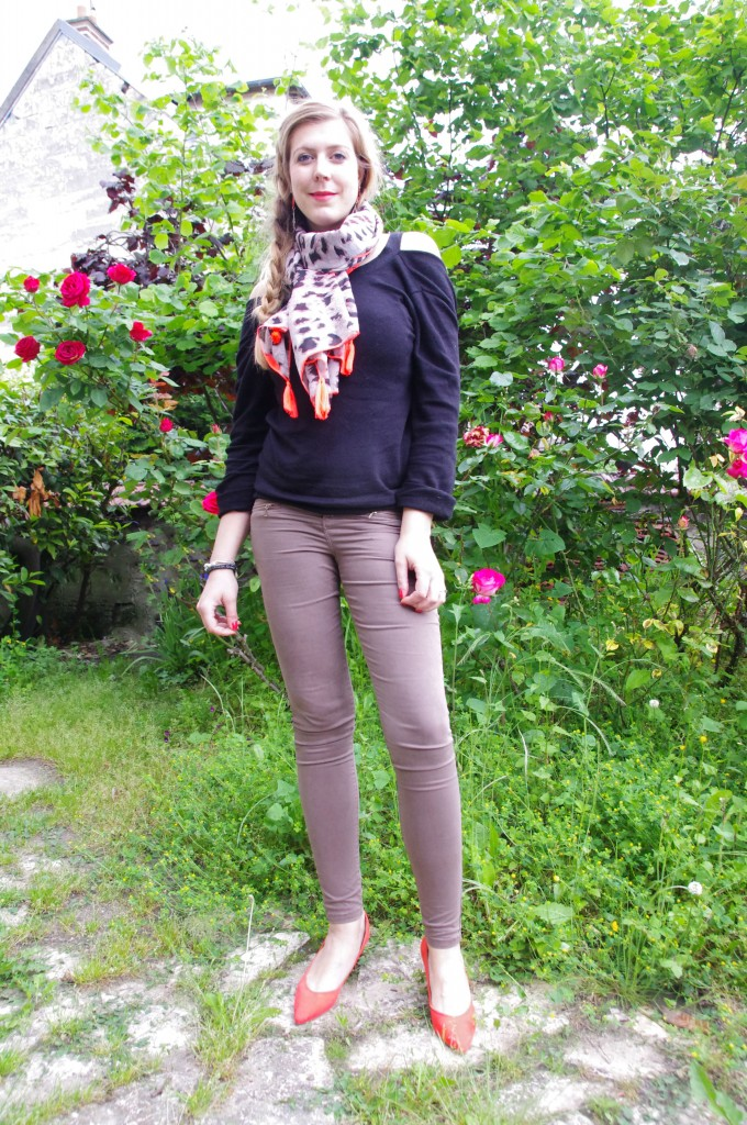 Ishopping, look pluie, look mi saison, ootd, tenue du jour, inspiration look, tendance 2016, monshowroom, derhy, foulard léopard, néon, jean kaki, promod, pull dos nu, escarpins orange, primark, séville, souvenir, shopping vacances, haul, revue, review, avis, blog mode, blogueuse mode, bloggueuse mode