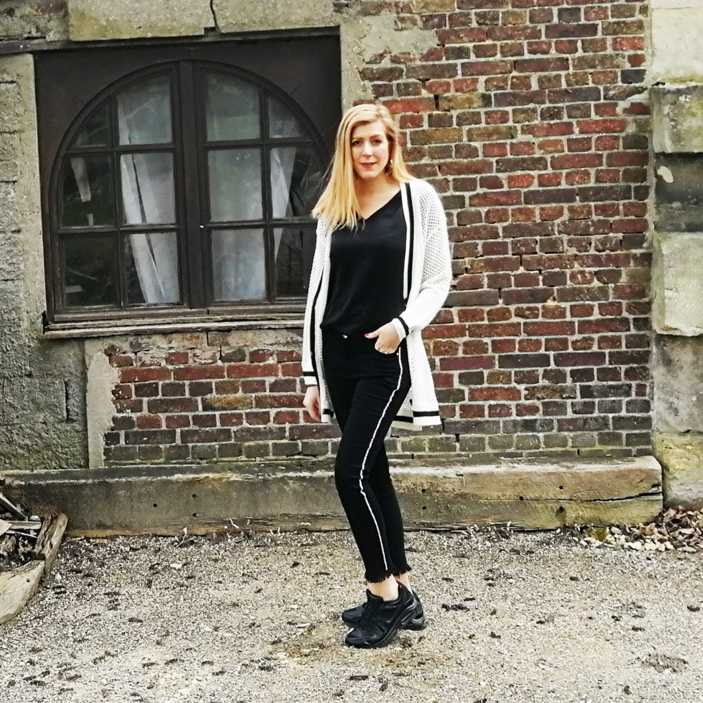 look, outfit of the day, ootd, ootn, casual, look sneakers, look baskets, lookc décontracté, tenue décontracté femme, gillet grosse maille, slim à bandes, air max, style du jour, tenue du jour, blog mode, blogueuse mode